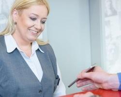 Klienci Poczty Polskiej coraz chętniej korzystają z transakcji mobilnych BLIK