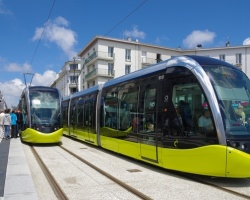 Wybrane czynniki oddziaływania miejskiego transportu szynowego na bezpieczeństwo i komfort pasażerów