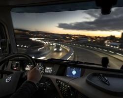 Volvo Trucks wprowadza na rynek zintegrowany system informacji i rozrywki