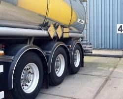 Przewóz substancji niebezpiecznych z punktu widzenia wymagań spedycyjno-transportowych