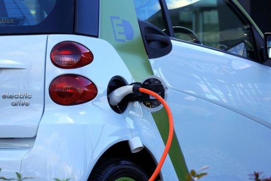 Europa stawia na elektromobilność i inwestuje w samochody elektryczne
