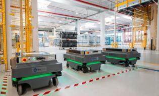 Roboty w zakładzie Whirlpool w Łodzi usprawniają logistykę