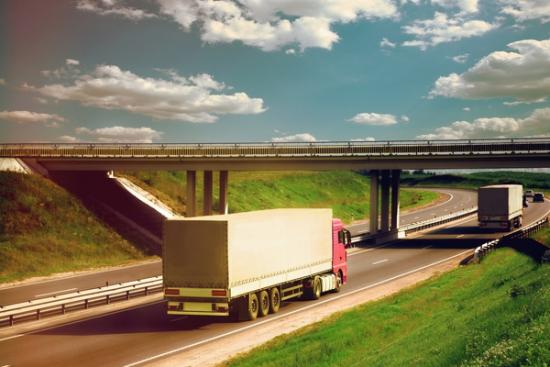 Transportowcy z 8 państw Europy domagają się zawieszenia pakietu mobilności