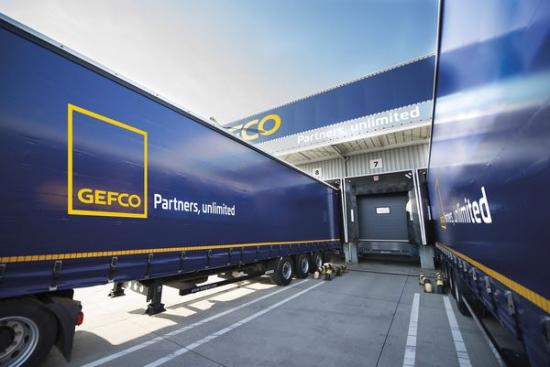 GEFCO nawiązuje współpracę z Mercedes-Benz Polska