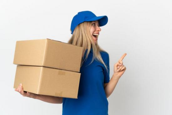 Jak duże paczki do Anglii możemy wysłać? Sprawdziliśmy maksymalne wymiary paczek