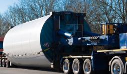 Analiza dynamiki ruchu drogowego z uwzględnieniem transportu ładunków ponadnormatywnych