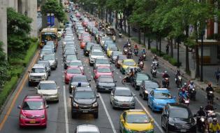 Czy inteligentne zarządzanie ruchem pomoże rozwiązać problemy zakorkowanych miast?